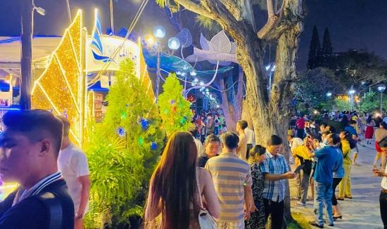 Tour du lịch Cà Mau (3N2Đ) U Minh Hạ Mùa Gác Kèo Ong, Đất Mũi Cà Mau